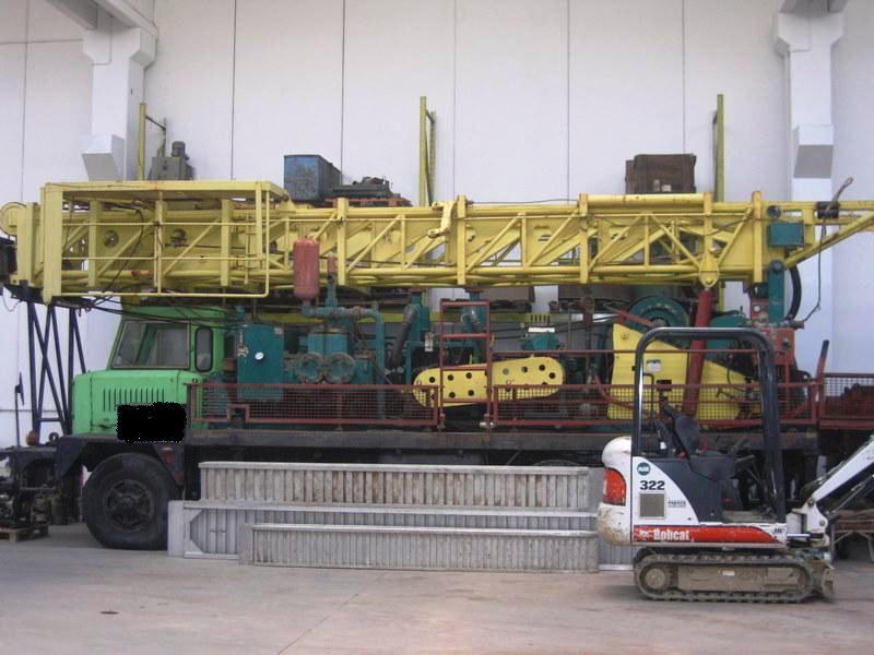 Instalatie de foraj apa 800m adancime – Massenza MR 50 – SH