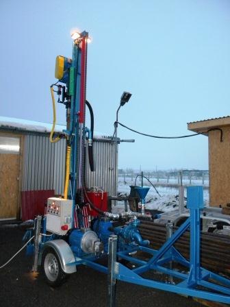 Instalatie de foraj hidraulica cu actionare electrica.